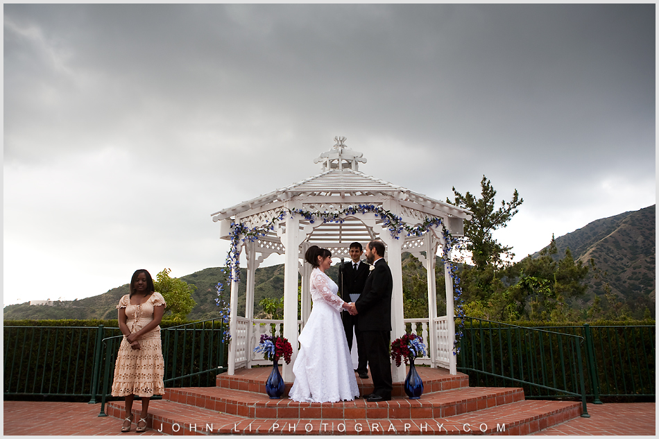 wedding ceremony in Castaway Burbank photography