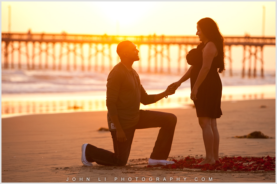 Propose photos in Newport Beach engagement