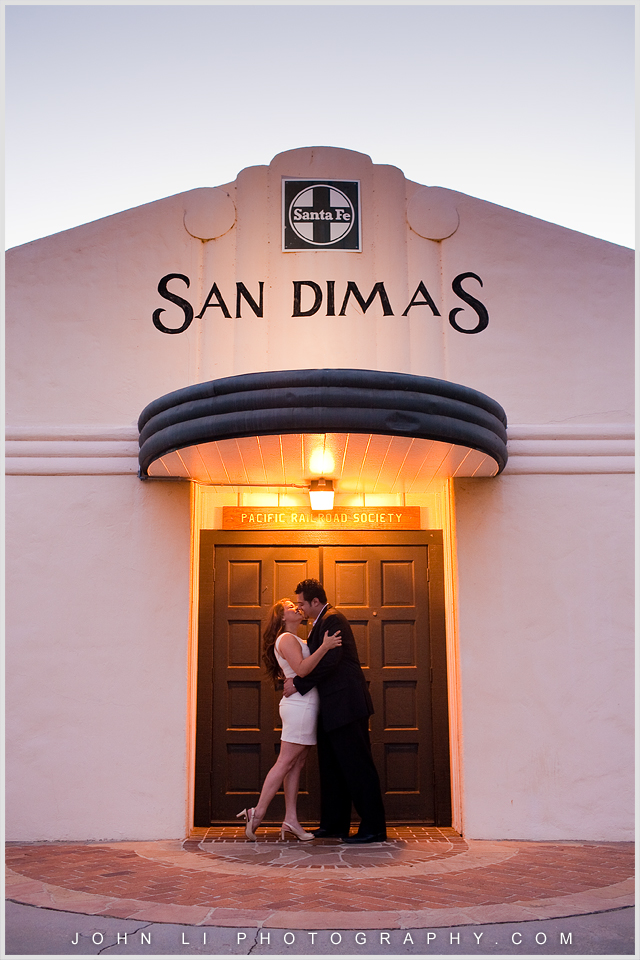 La Verne engagement images with San Dimas sign