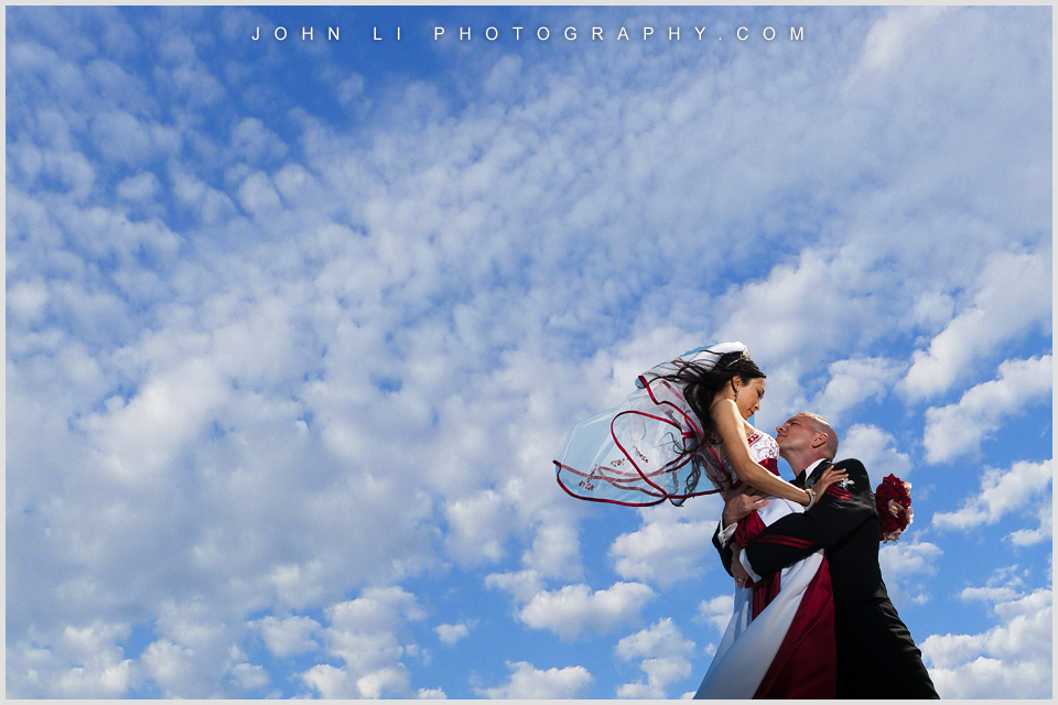 Korean wedding with blue sky