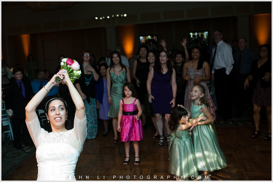 Bouquet toss monica wedding in Fairmont hotel