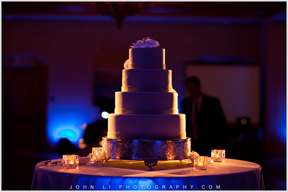 Pelican Hill wedding cake