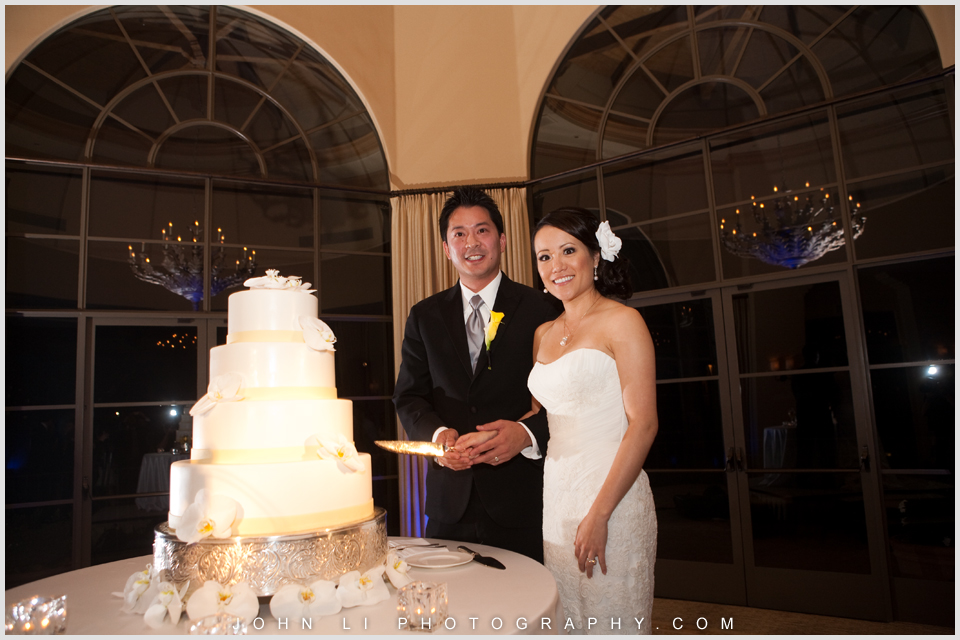Pelican Hill wedding recepion cake cutting
