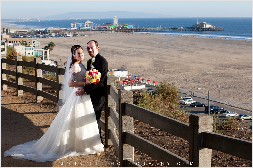 wedding photography with background sant monica pier and beach