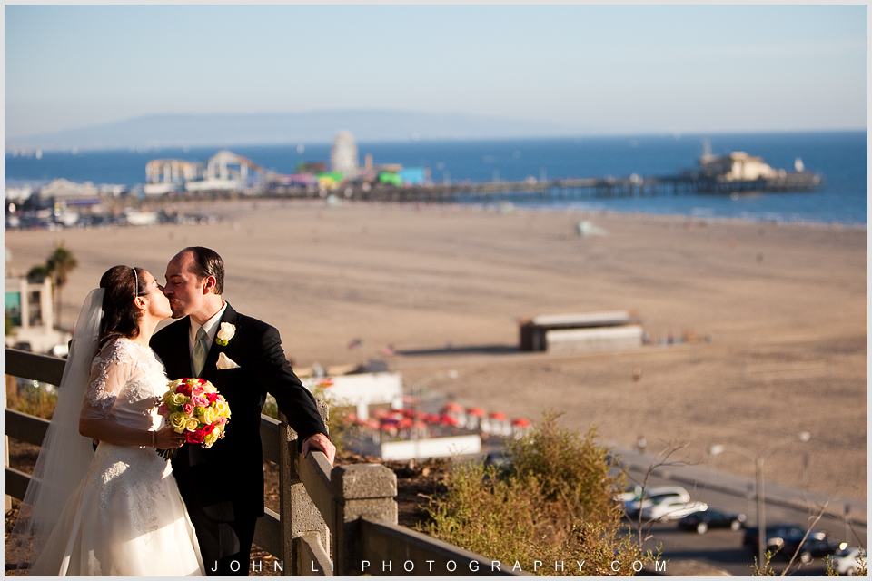 wedding photos with background santa monica pier