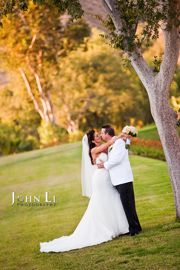 Hummingbird Nest Ranch wedding portrait location