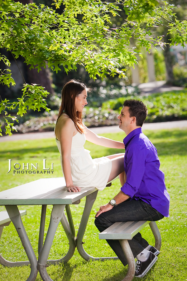 summer engagement photography in lacy park