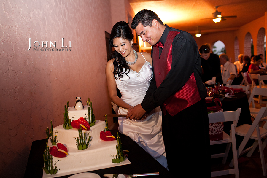 cake cutting vista de oro wedding