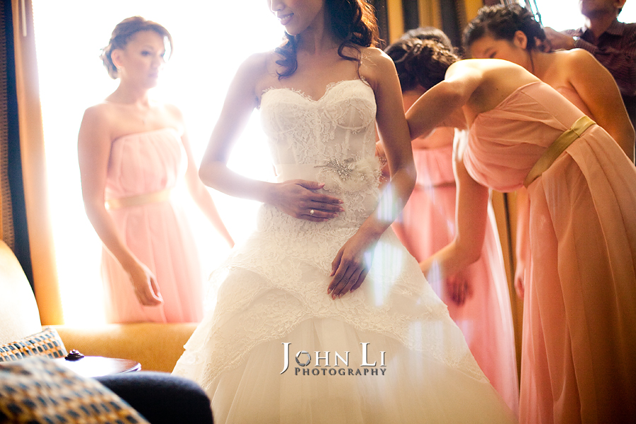 10 wedding party help with the dress in langham hotel