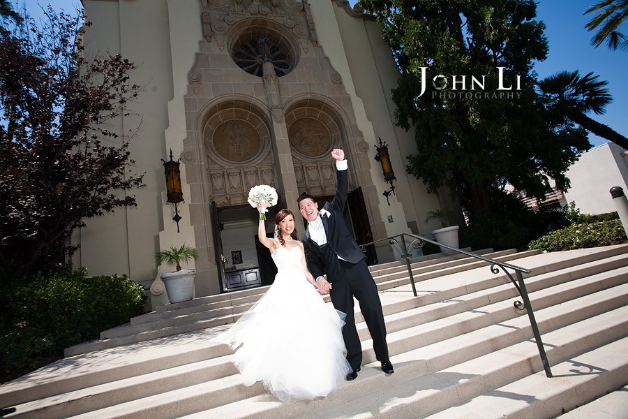 outside view of Holy Family Church South Pasadena bride and groom
