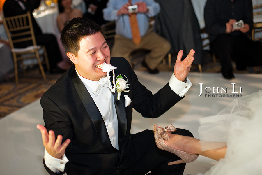 garter toss in langham hotel wedding