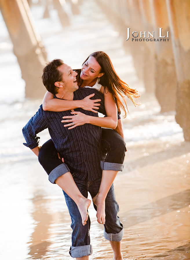 engagement photos under venice pier
