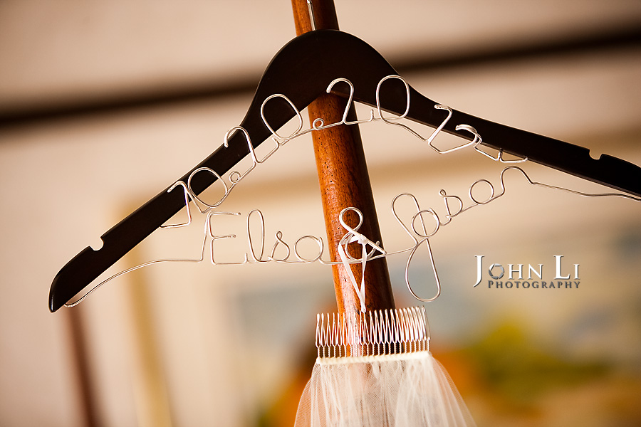 Hawaii wedding photography Hanger with name and date