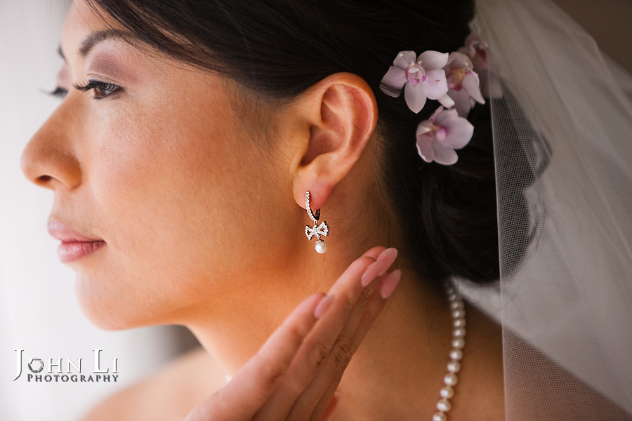 Hawaii wedding photography bride with earring