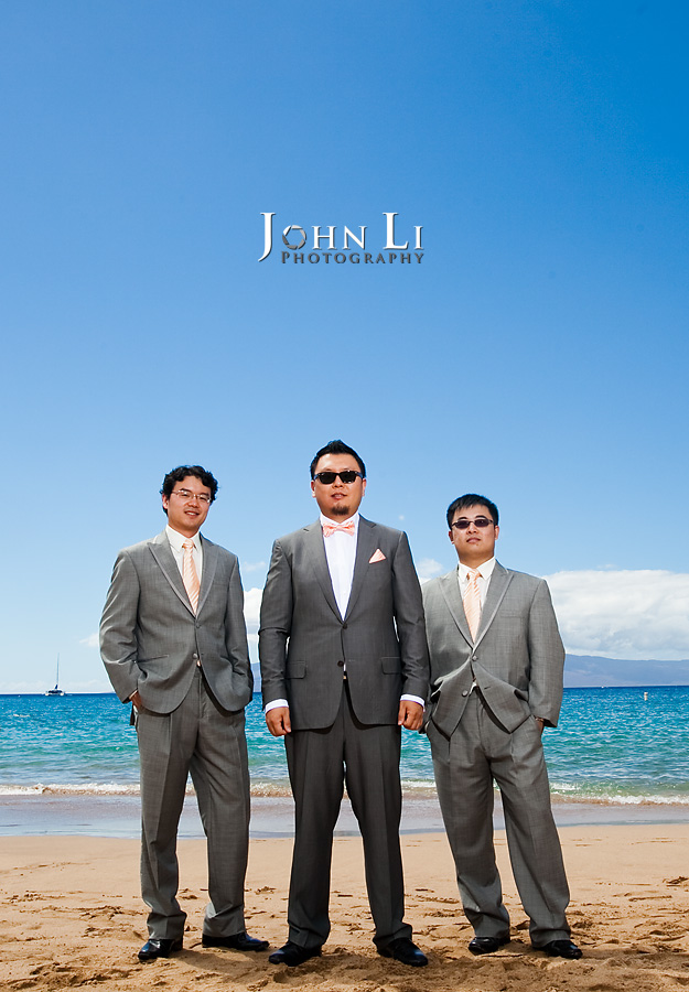 Hawaii wedding photography groommen group photos on beach