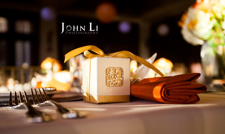 Sheraton Black Rock Wedding in Hawaii Maui Wedding PhotographyJohn Li ...