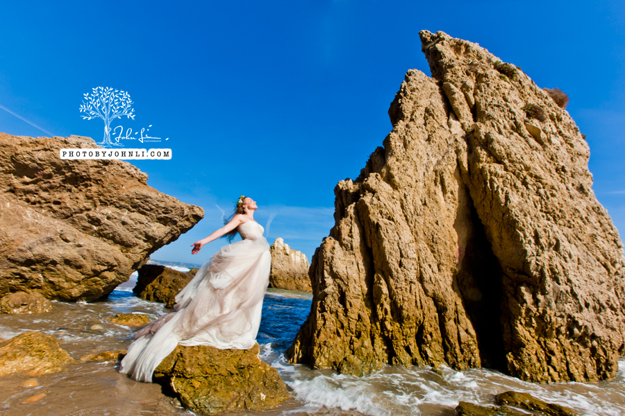 011  Trash the dress on Malibu Beach